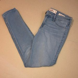 women's light wash hollister jeans